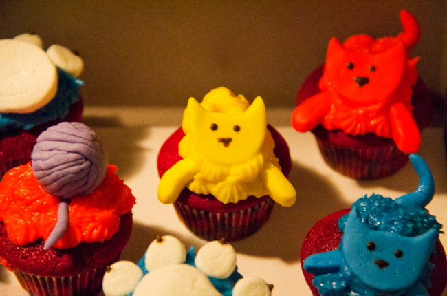 Sugah Shack Cupcakes, Sugah Shack cat cupcakes, Redvelvet Cupcakes, Cat and ball of yarn and pawn print cupcakes