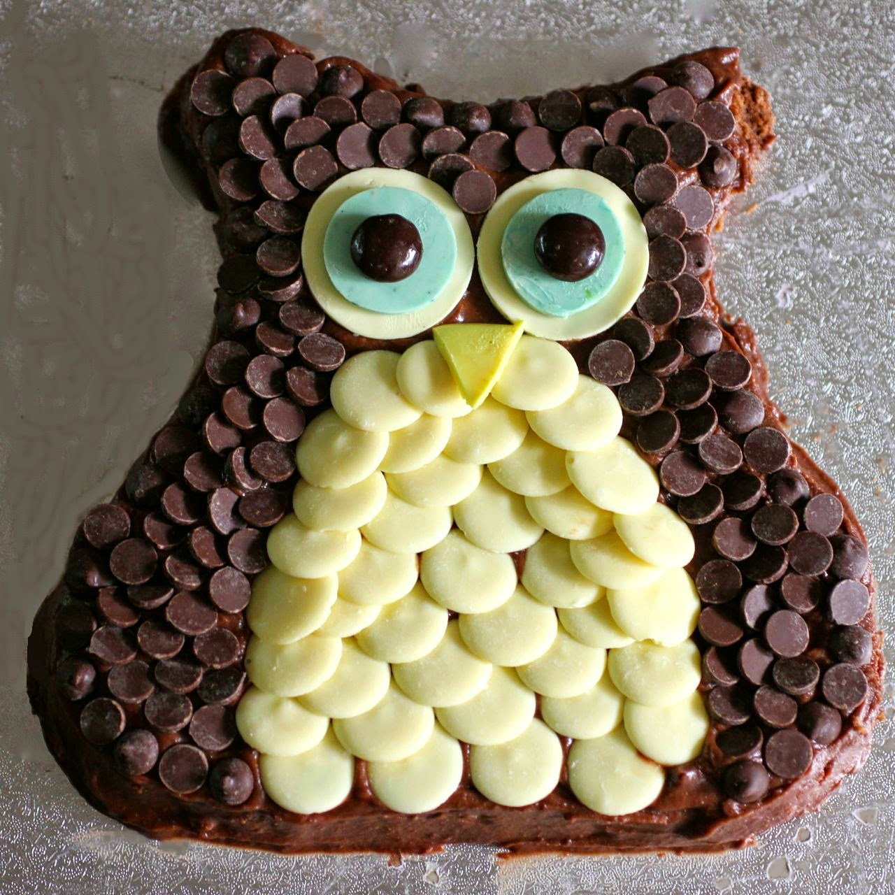 Green Gourmet Giraffe Owl birthday cake