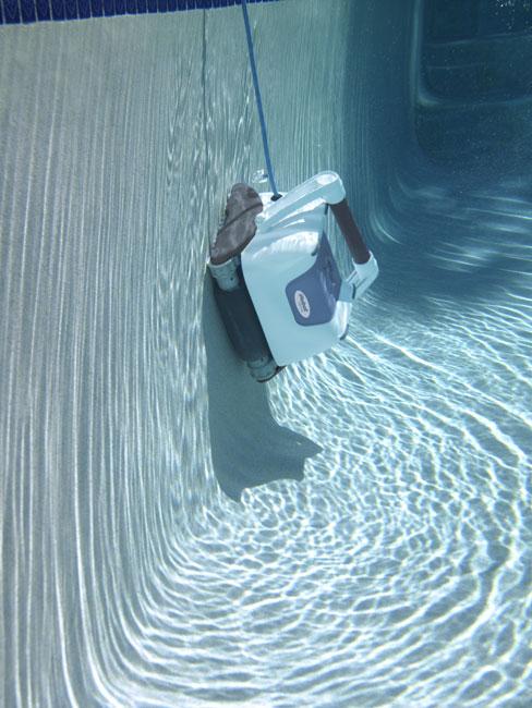 Robot aspirador para piscinas for Limpieza fondo piscina