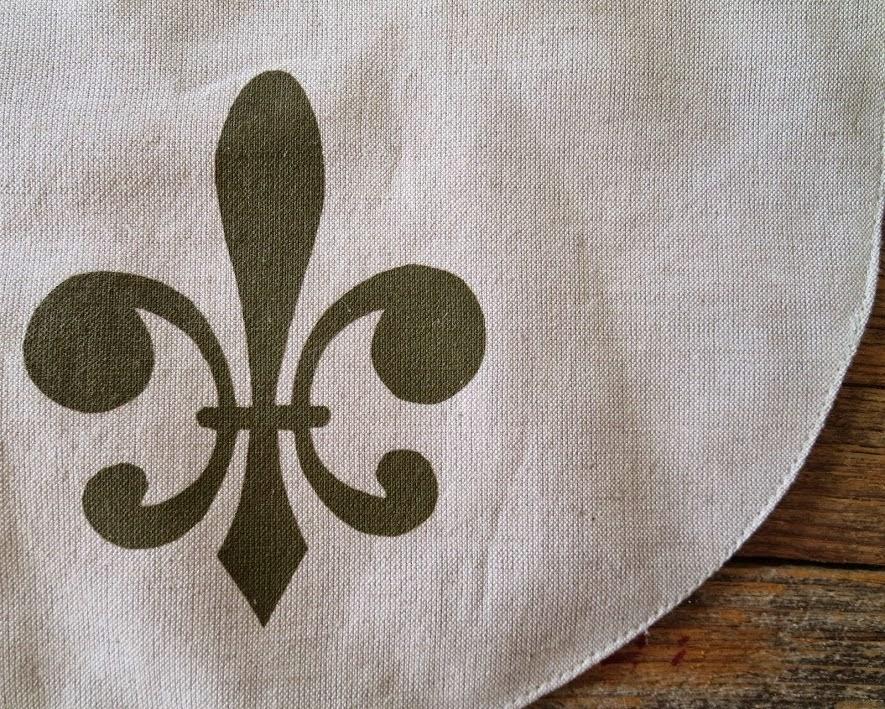https://www.etsy.com/listing/195819541/fleur-de-lis-linen-blend-baby-bib-khaki