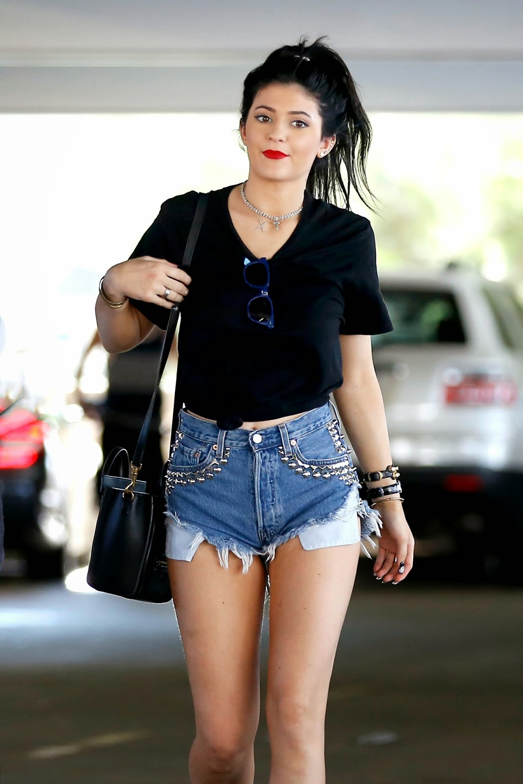 LovelyStars: 8/21/2013 Kylie Jenner Out With Friends Black Shorts Tumblr