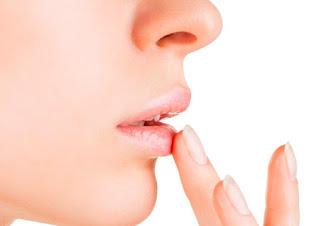 Cara Mengatasi Bibir Pecah-Pecah Agar Sehat Kembali