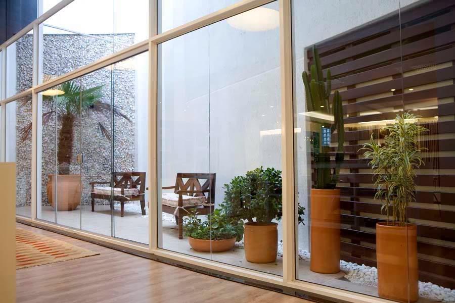 Jardim De Inverno! Achei Lindo Os Bancos E O Deck Vertical De Madeira~ Banco Jardim De Inverno