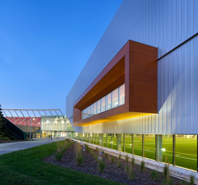 05-Commonwealth-Community-Recreation-Center-by-MJMA