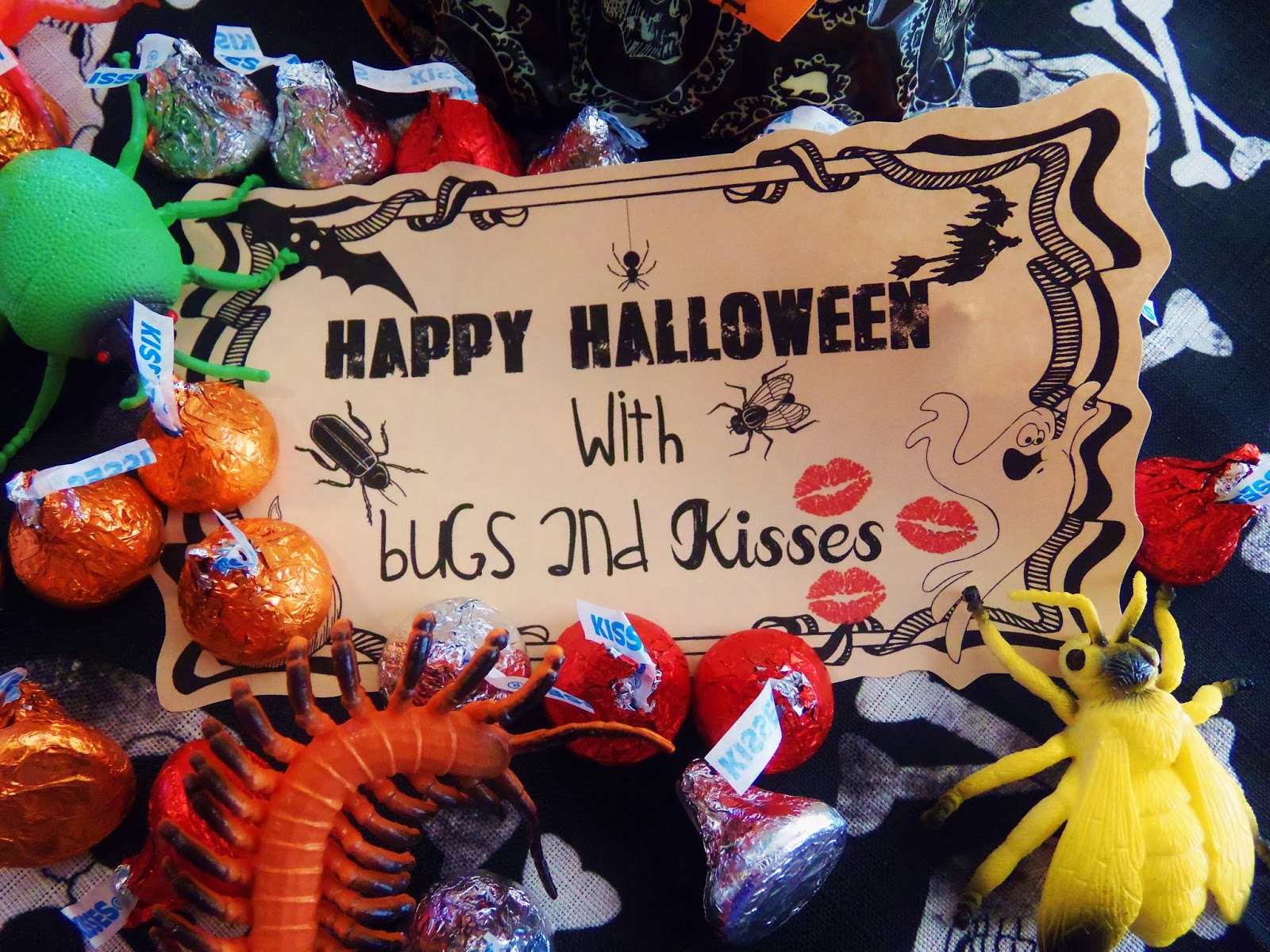 image relating to Bugs and Kisses Printable identified as HollysHome Relatives Lifestyle: Insects and Kisses - a Free of charge Halloween