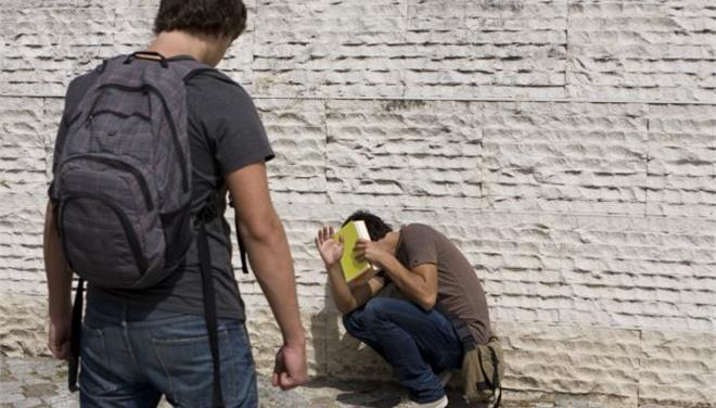 Σύμφωνα με στοιχεία νέας έρευνας του Υπουργείου Παιδείας Τρεις στους δέκα έφηβους μαθητές έχουν πέσ
