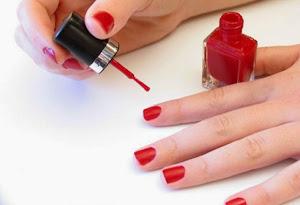 Manicure Rapida En Casa >