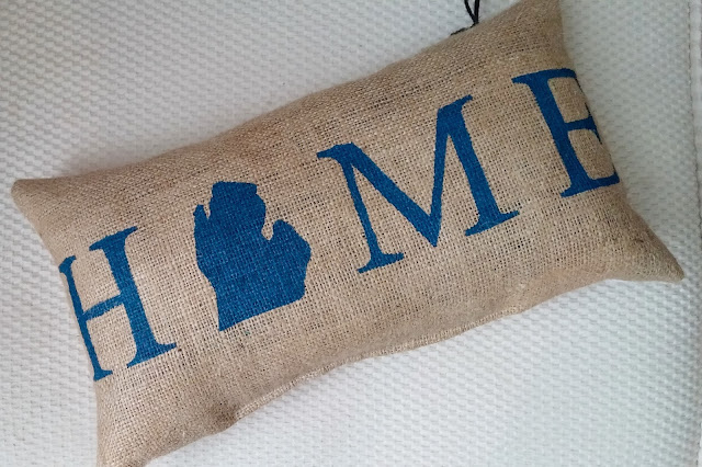 Michigan Home burlap pillow - linaandvi.blogspot.com