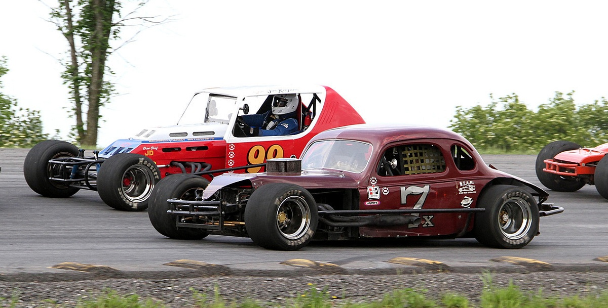 Vintage stock car racing