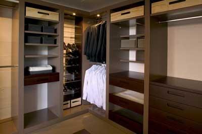 Dise o closets para dormitorios decorar tu habitaci n for Closet para espacios pequenos