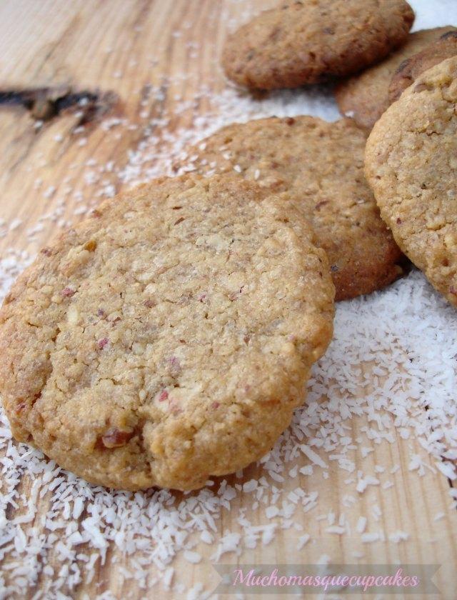 http://muchomasquecupcakes.blogspot.com.es/2013/09/galletas-de-chocolate-blanco-y-coco.html