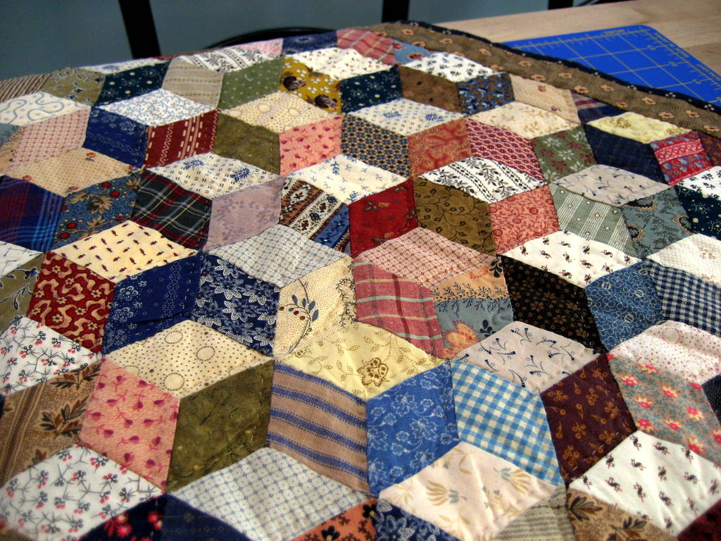 Quilt Patterns With Y Seams : A Sentimental Quilter: Tumbling Blocks