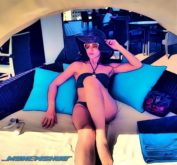 Hot Mama Daphne Iking Kongsi Gambar Berbikini