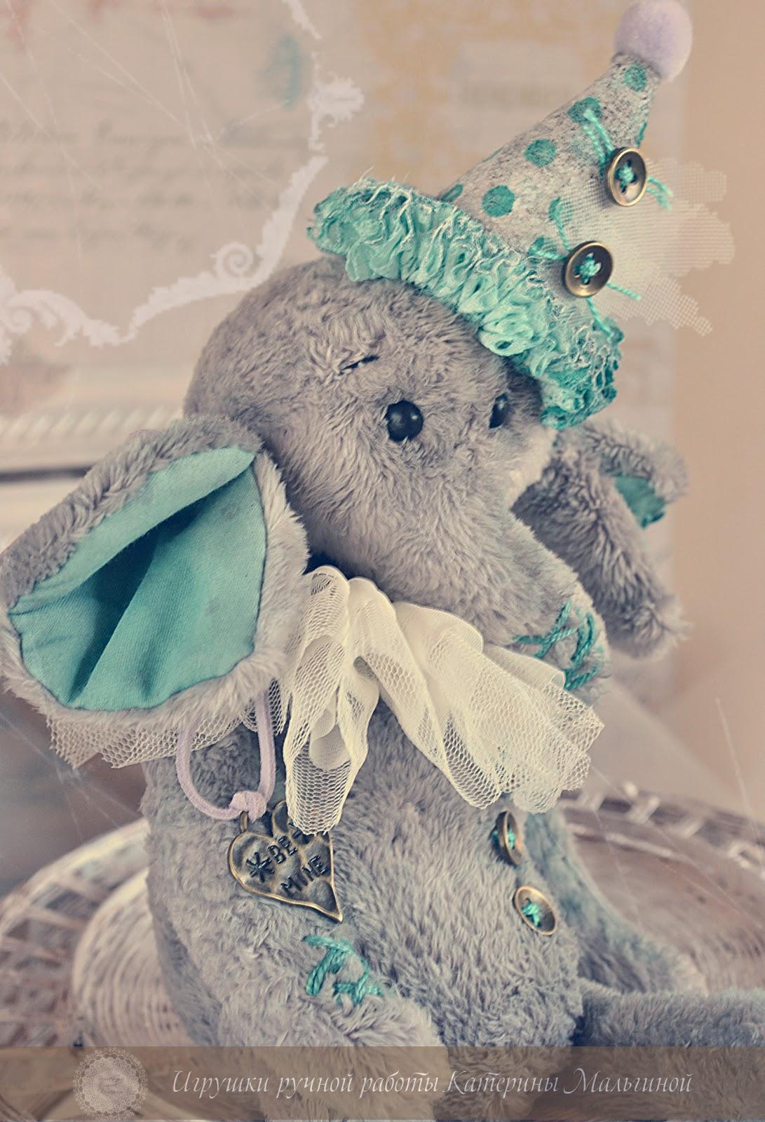 тедди слоник с колпачком