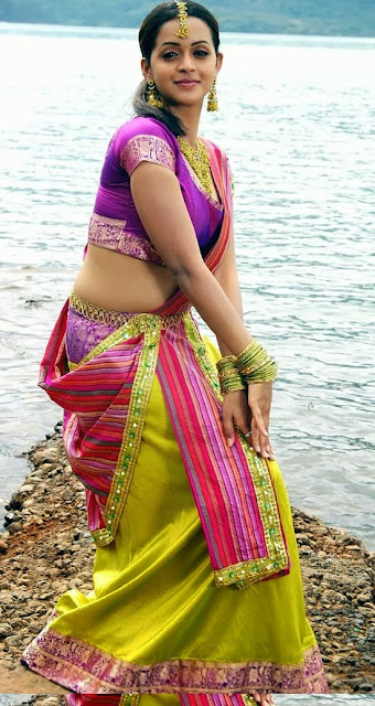 Actress bhavana hot images actress bhavana with saree blouse photos