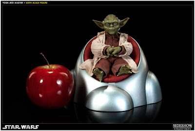 Sideshow Collectibles 1/6 scale Master Yoda figure