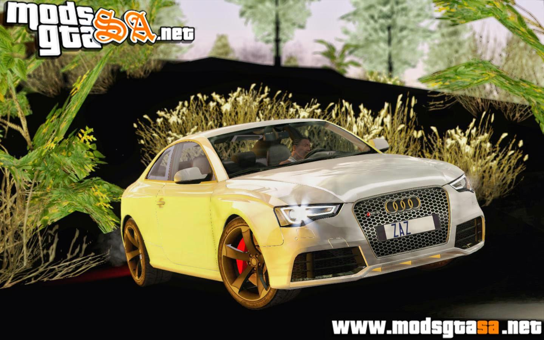 SA - Audi RS5 2012