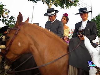 Feria de Sevilla 2014 Amazona, arte y maestría para montar un caballo