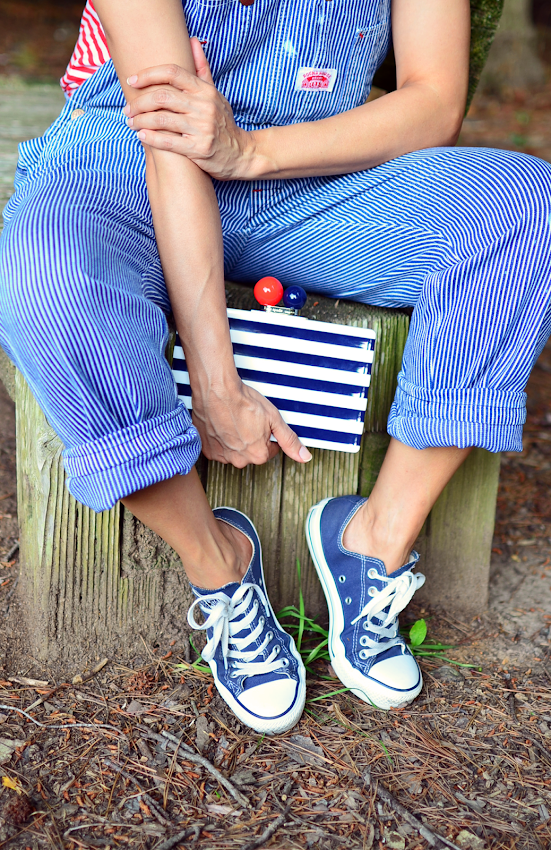 Outfit with stripes