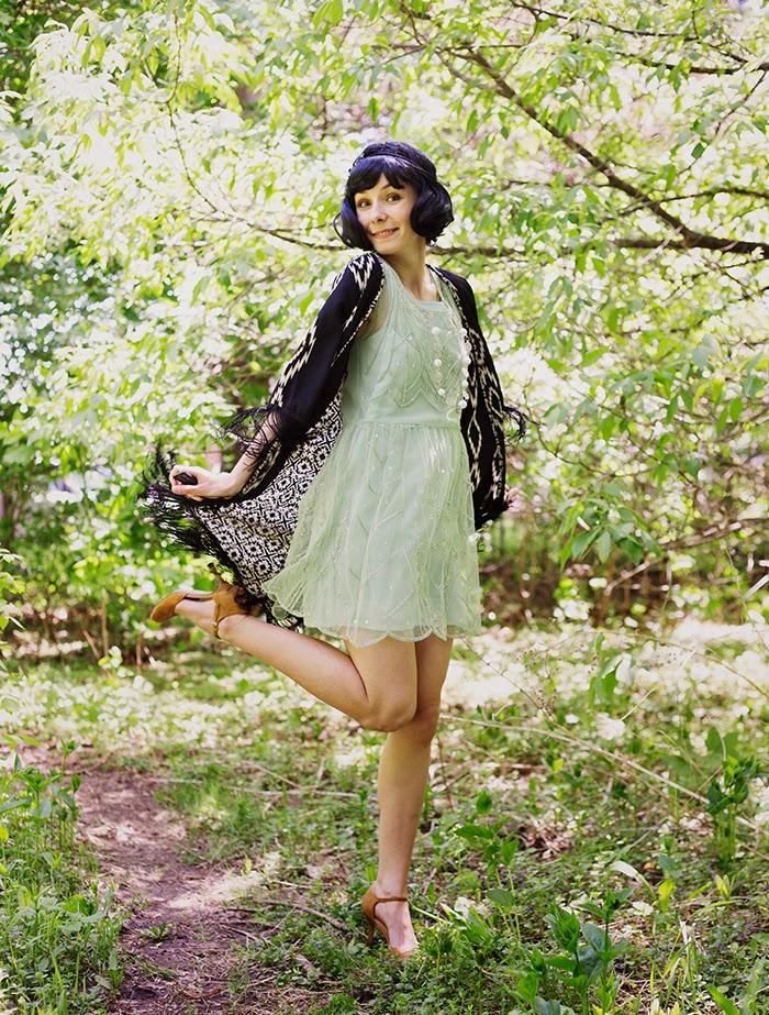 Fringe-kimono-shift-flapper-dress-black-wig-fashion-blogger