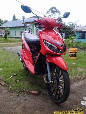 modifikasi motor mio sporty warna merah minimalis