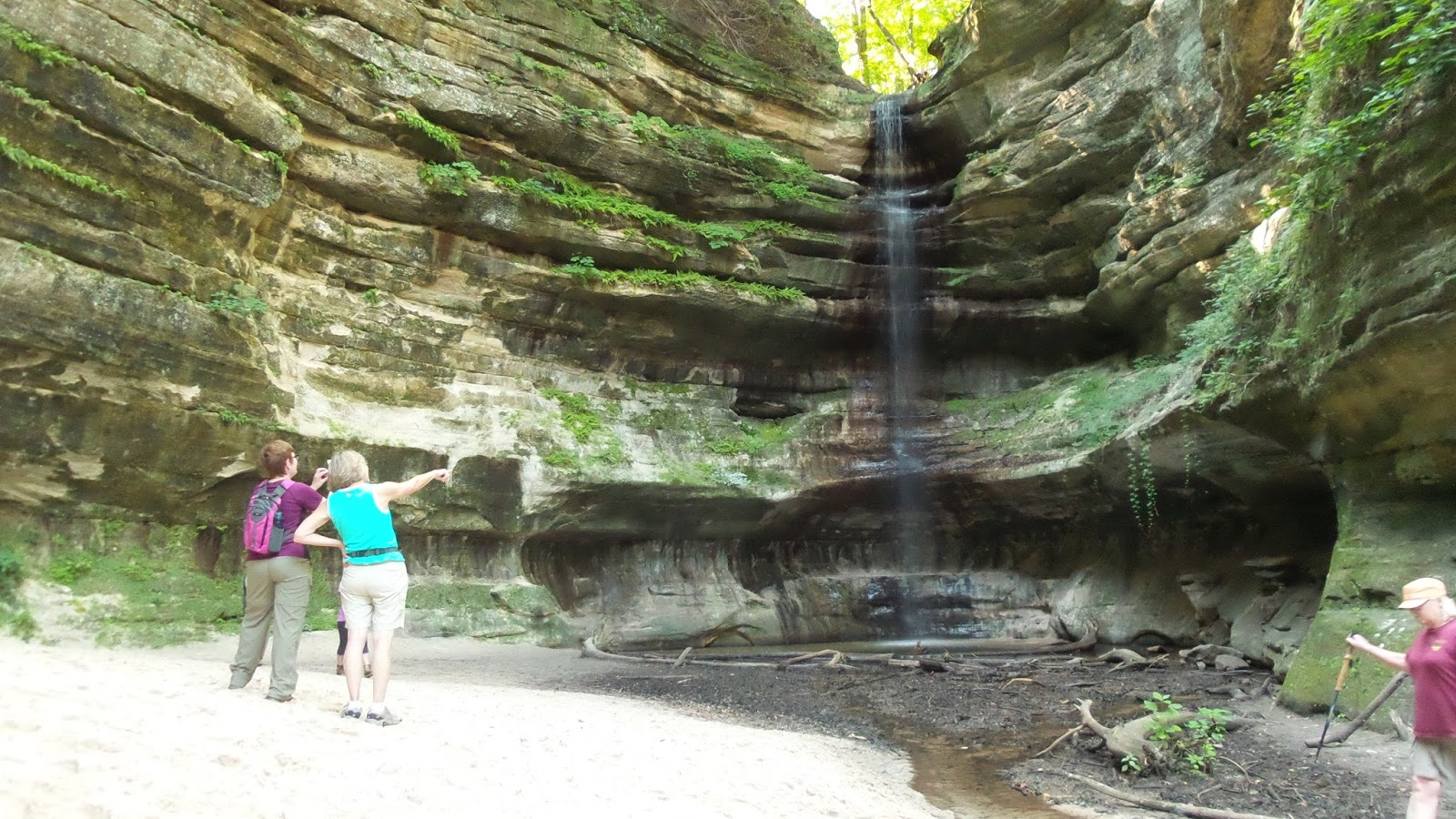 Hike Starved Rock: 07-23-2015 Aurora, St. Louis Canyon
