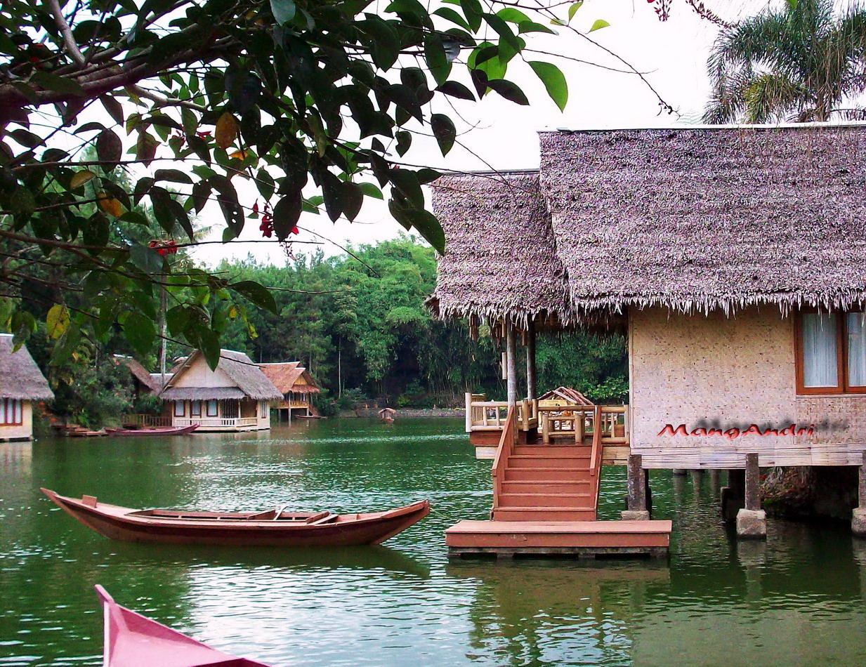 Pariwisata Indonesia: Wisata Keluarga Kampung Sampireun Garut