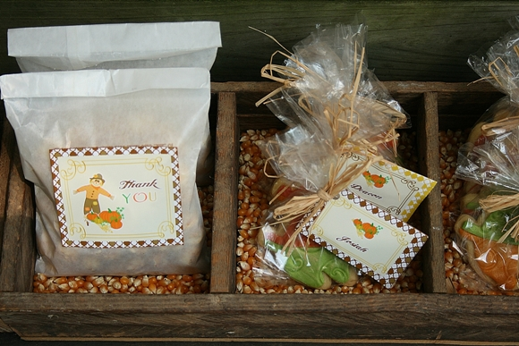 Harvest party for your thanksgiving celebrations via birdsparty com