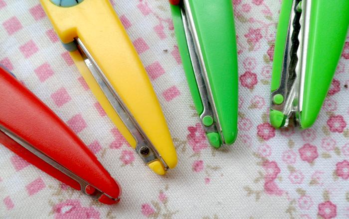 tesouras coloridas, picotar, artesanato, toke e crie