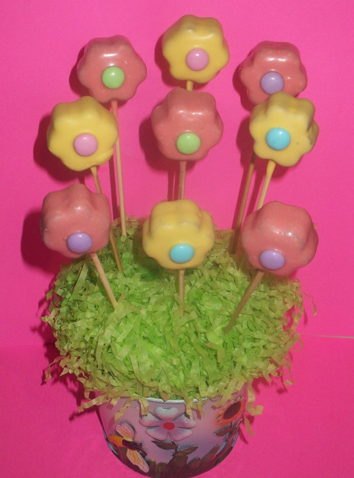 UNIQUELY CUPCAKED: Flower Cake Pops