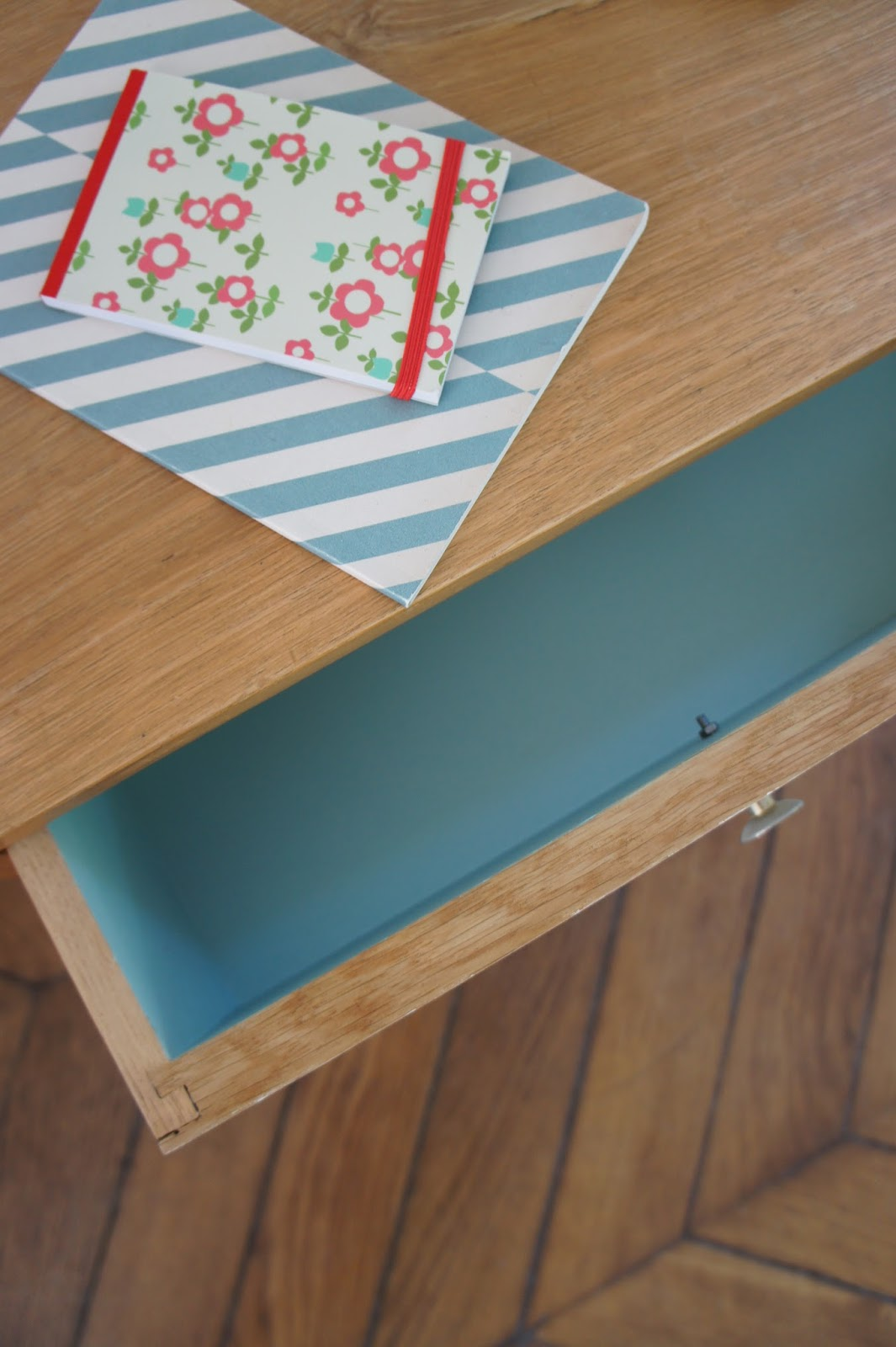 atelier petit toit le chevet pieds compas d 39 elise. Black Bedroom Furniture Sets. Home Design Ideas