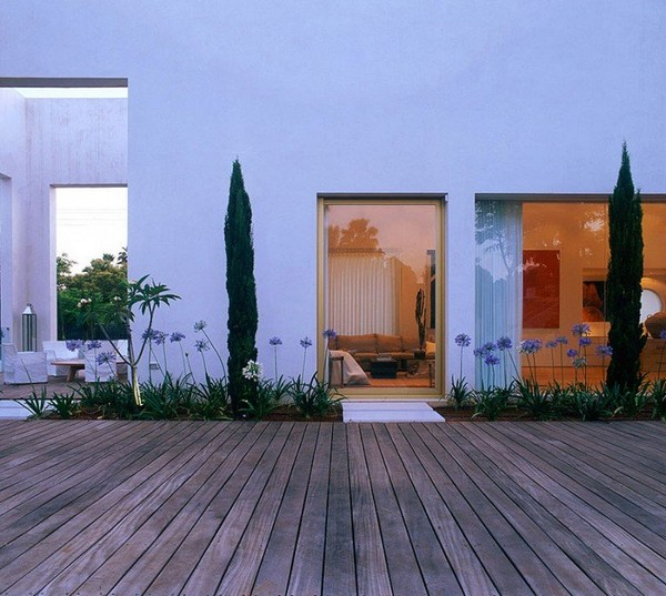 Stunning Modern Warm Home Design Idea