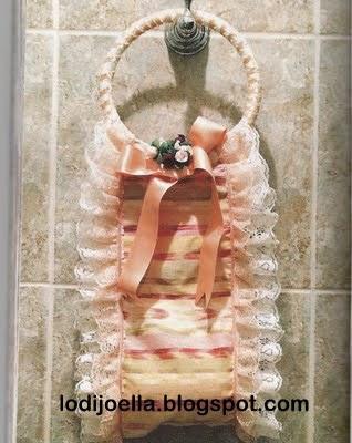 ... rollos de papel higiénico colocar el lazo y las florcitas de adorno