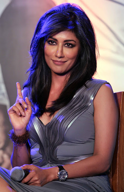 Chitrangada Singh back showing pictures