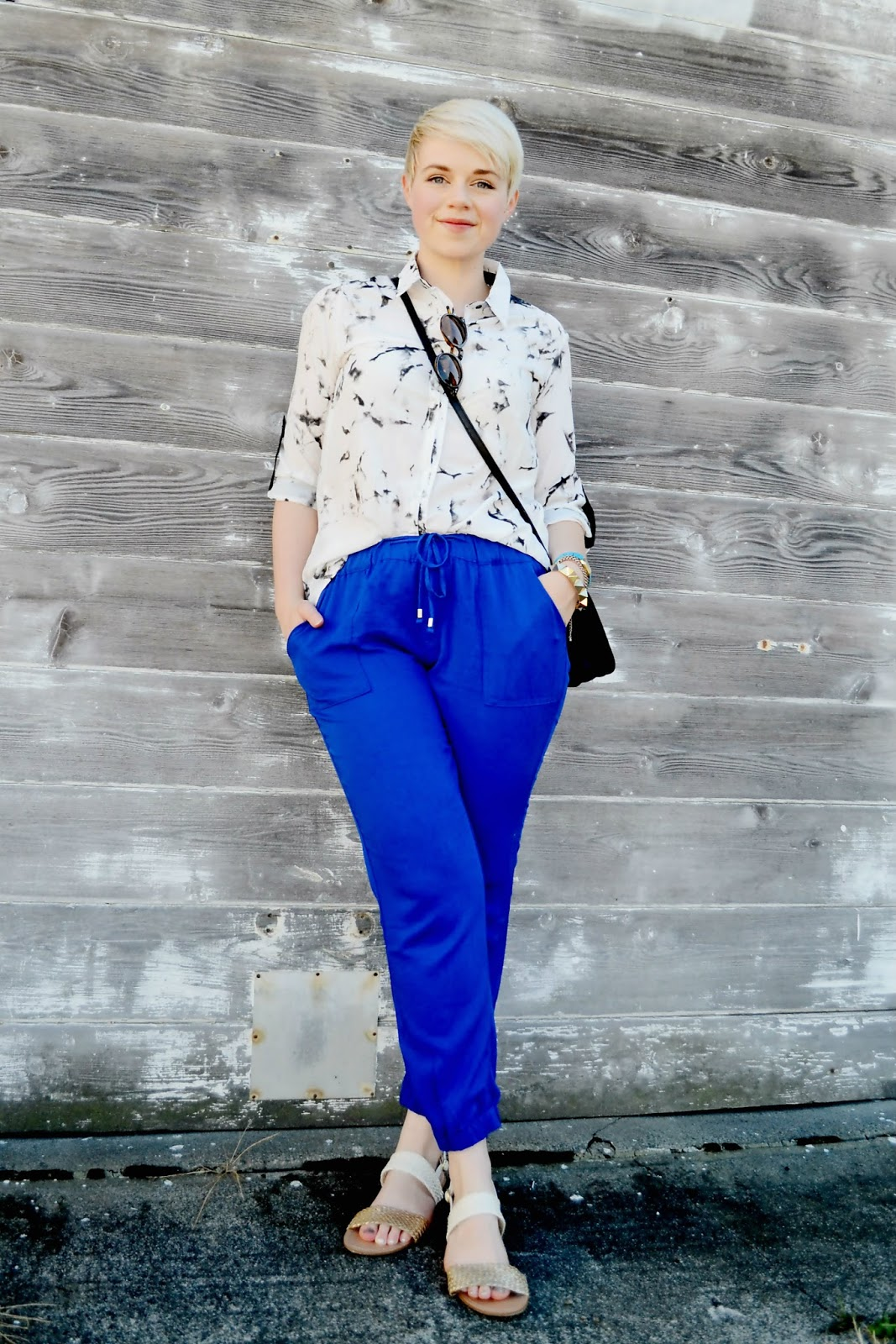 marbled fabric, blouse, oasap, catie beatty, fleur d'elise, blue, track pants, old navy, street style, seattle