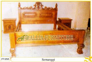Tempat tidur kayu jati ukir jepara Semanggi murah.Jakarta