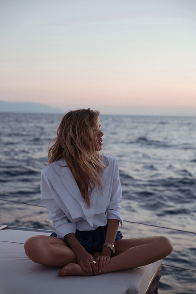 ocean_white blouse_shorts_summer_style_fashion_inspiration_wanderlust