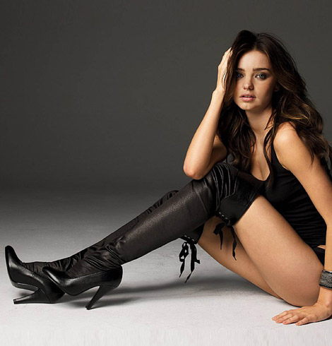 Funny Pics Land :): Sexy girls in boots