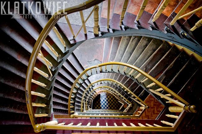 Wrocław: schody półkręcone na wyprost