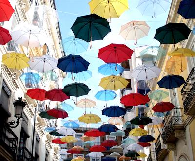 La calle de los paraguas en Alicante, España. - Umbrella's Street at Alicante, Spain-calle-de-los-paraguas-españa-png