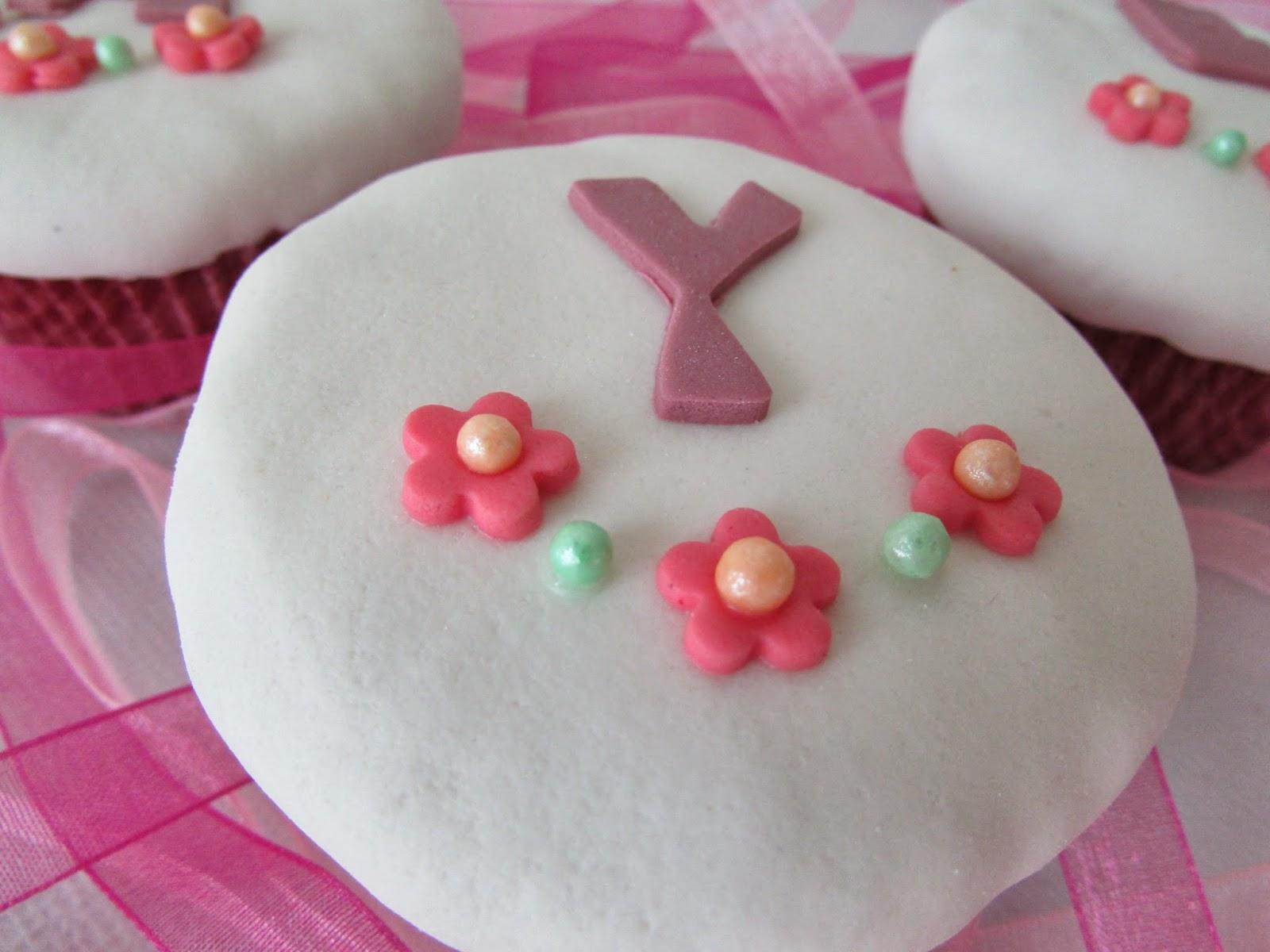 letras-fondat-cupcakes-perlas-pegamento-comestible