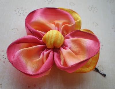 как сделать цветок из лент