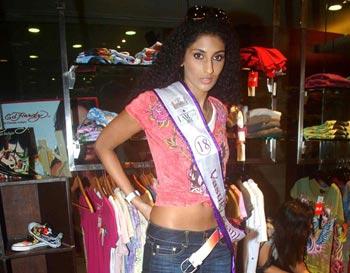 sunkavalli vasuki ,sunkavalli vasuki wins miss india universe 2011 glamour  images