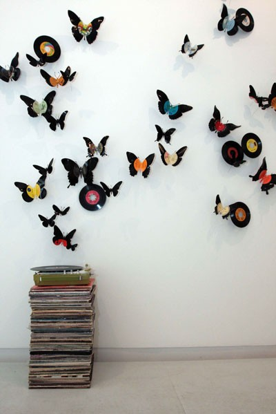 Upcycle us upcycling vinyl records for Vinyl record wall art