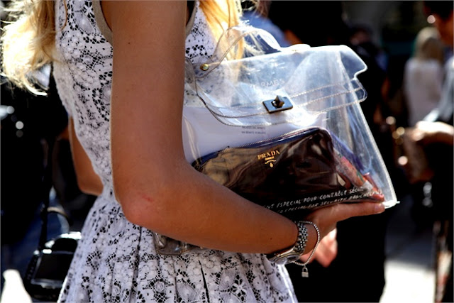 http://1.bp.blogspot.com/-JipKZ6BANl4/T5mNYyKeFGI/AAAAAAAACcQ/PHfBM9SN7u8/s1600/transparent+bag.jpg