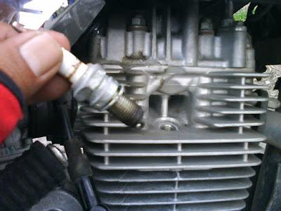 Cara mengatasi Motor yang Hilang Kompresi