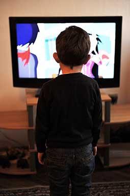 Kind_beim_Fernsehen.jpg
