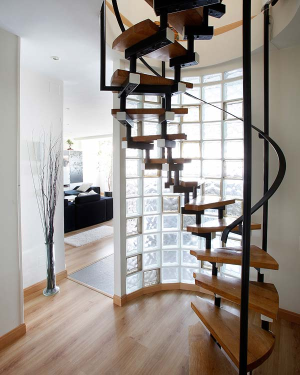 Cantinho da vov jenny escada caracol for Escaleras modernas para espacios pequenos