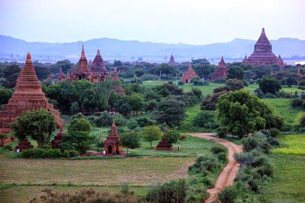 Templos y pagodas de Bagan (Myanmar)