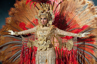 Sheldry Saez,Best National Costume award 2011